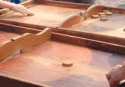 Le jeu de la table à élastique