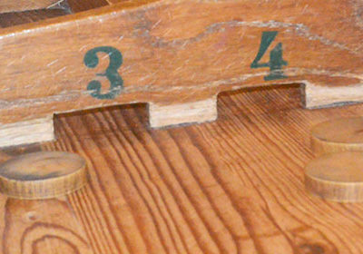 La table à glisser ou sjoelbak, jakkolo…